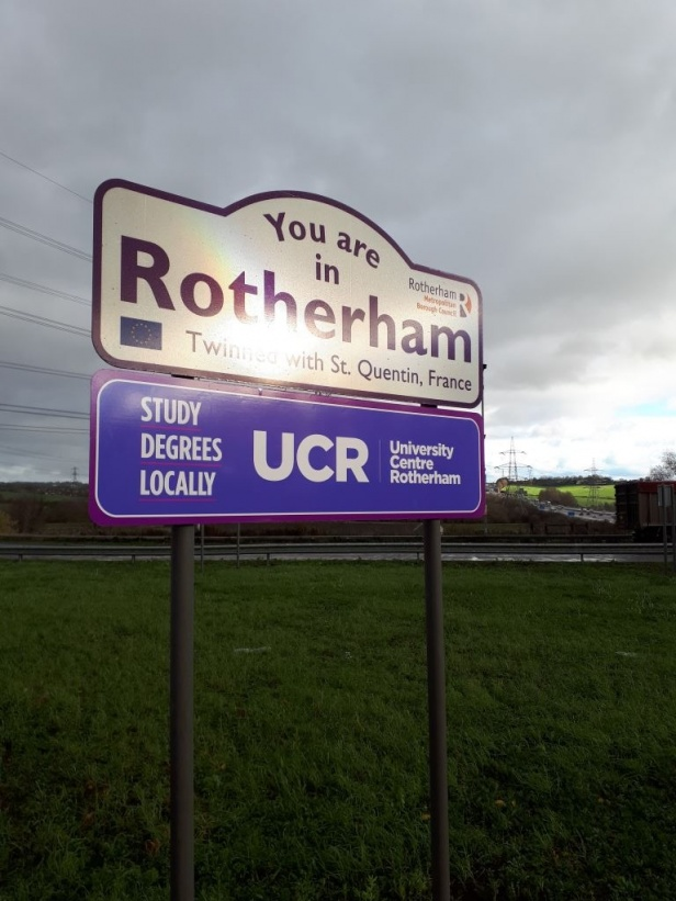Roundabouts and Boundary Sign Advertising - Planning & Buying Experts -
